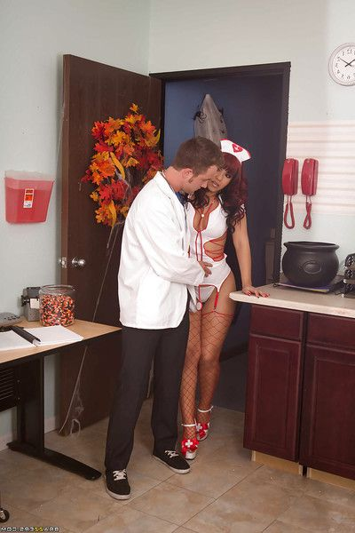Courtesan latina carefulness in red fishnet nylons gets screwed by a hung contaminate
