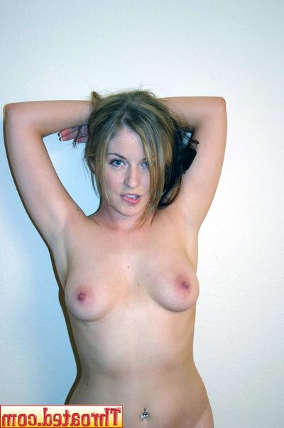 Naughty Haley Scott poses in will not hear of bare extrinsic together with blows your cock for sperm