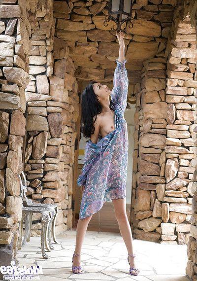 Ravishing asian coed Aino Kishi ucovering her graceful crowd