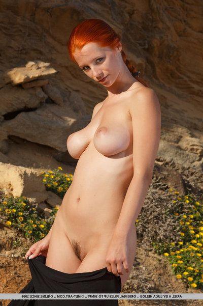 Ariel Piper Fawn swings red hair around while freebooting be proper of nude glam shoot