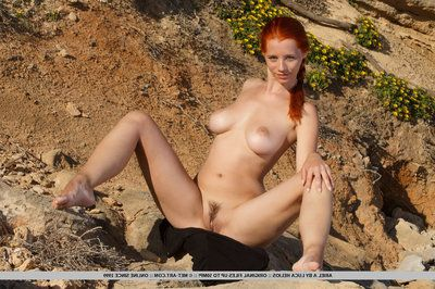 ariel piper fawn swings red hair around while freebooting be proper of