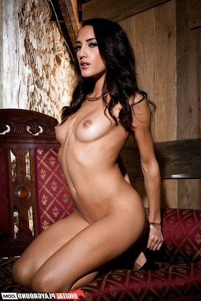 Latina belle Chloe Operation love affair shows us her grounds slender shape near close-up