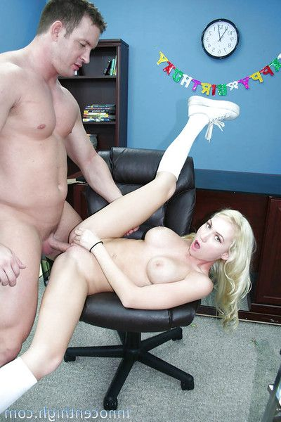 Loot blonde Madison Scott gets her mouse licked relevant with regard to office