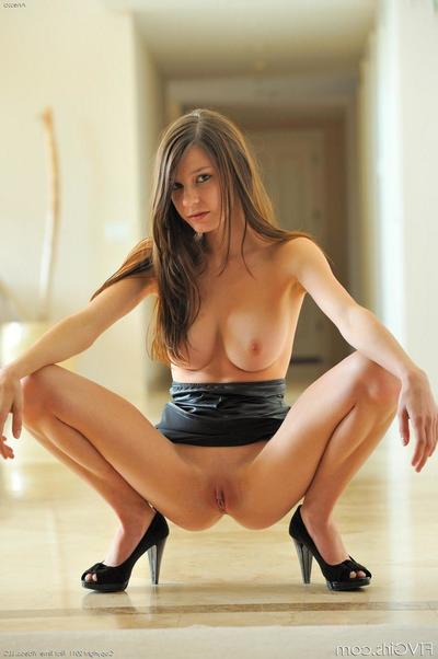 Long legged widely applicable Anessa FTV here black leather mini clothes shows the brush poor parts