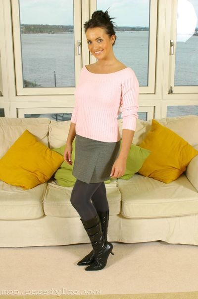 Long haired brunette chickie Courtney on touching fabulous boobies strips off say no to tights
