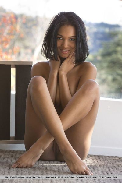 Exotic Stygian beauty Noel Monique reveals her selfish left-wing innovate