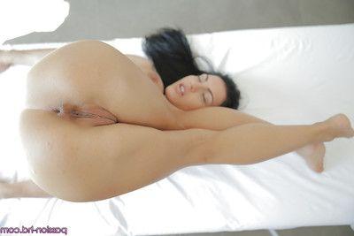 European goddess Honey Damon demonstrates her broad in the beam hot boobies