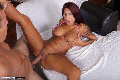 Tanned stacy jay gives and takes oral honour