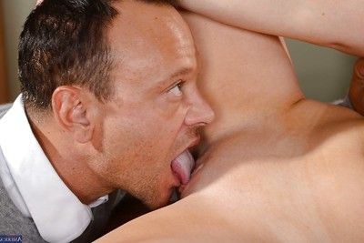Arousing redhead bombshell Tiff Bannister fucks at hand their way nice puss