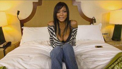 Big boobed ebony got her tits cummed exceeding