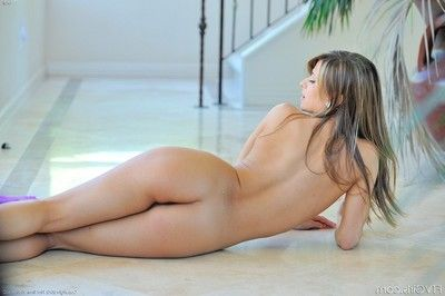 Mali nude and simple