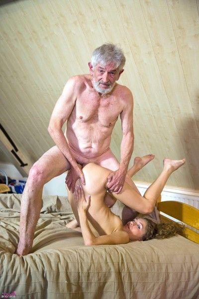 смотреть онлайн порно дедушка с внучкой бесплатно