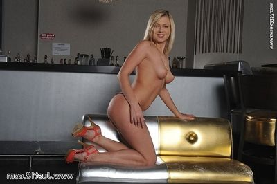 18 year old blonde teen tricky time exposing her firm young spread out body