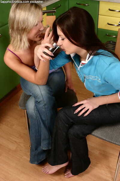 Lesbian lovers connection loved pussy in scullery - fastening 340