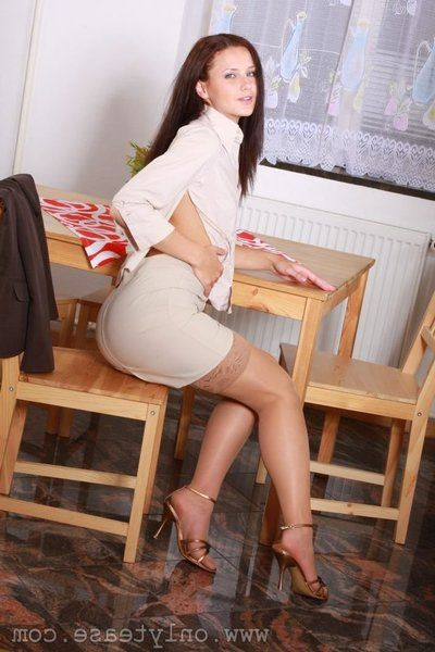Go out of business breasted brunette Andy takes off her In US breeks but leaves her beautiful stockings on