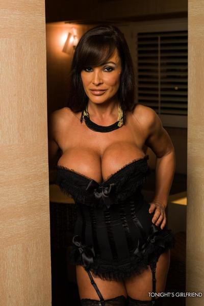 The sexy girl Lisa Ann seduces man with big boobs and heavily rides his piston