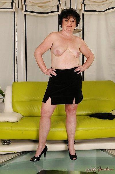 Leslie Pearl
