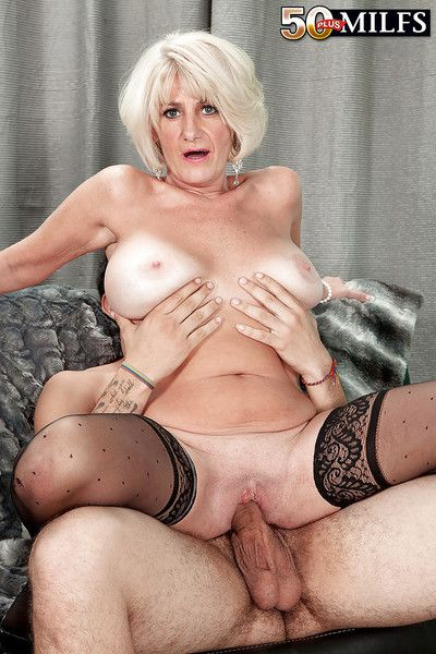 Mature blonde Desire Collins gets her pussy banged by young beaver-cleaver