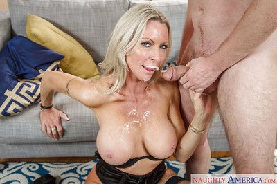 Sweet big-tit blonde Emma Starr gives a juicy deep blowjob for her bf