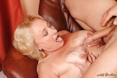 Lusty granny with ample ass gives a blowjob and gets fucked hardcore