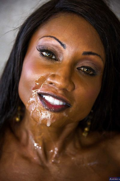 Ebony with pretty ace Diamond Jackson suck this tasty white dick