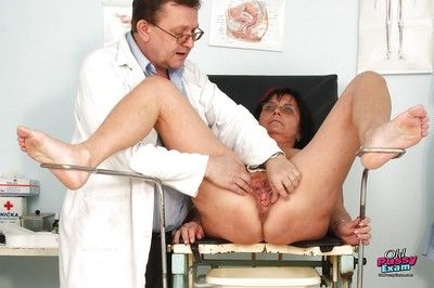 Trashy Gyno office visit with granny juicy pussy spread for toy play