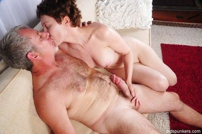 Short haired granny Dalny dose blowjob and handjob to her man