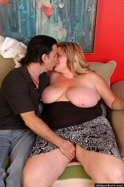 Freckled BBW Deedra unleashes huge hooters for nipple licking action
