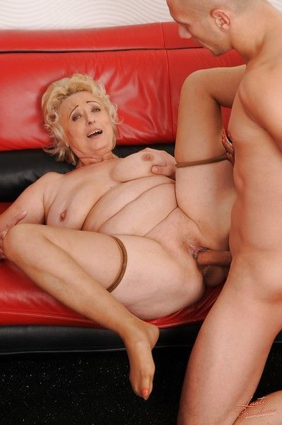 Sultry granny in stockings has some hardcore fun with a younger guy