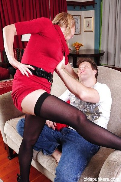 Cumshot action with an beautiful granny in sexy stockings Jenna