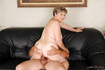 Lustful fatty granny gives a blowjob and gets slammed hardcore
