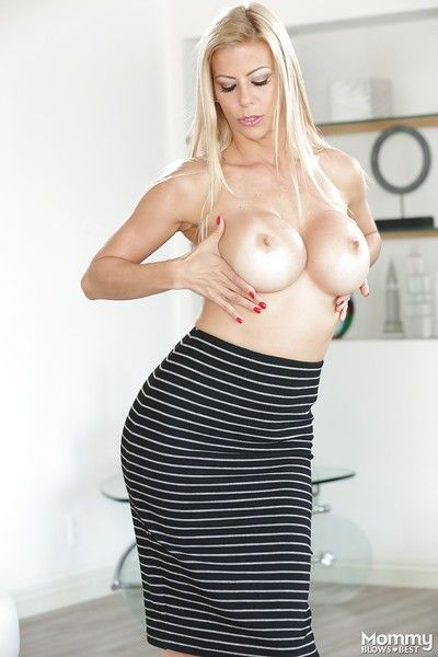 Older blonde babe Alexis Fawx frees large juggs from lingerie