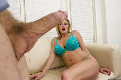 Busty mature slut Zoey Holiday is into hardcore anal pounding