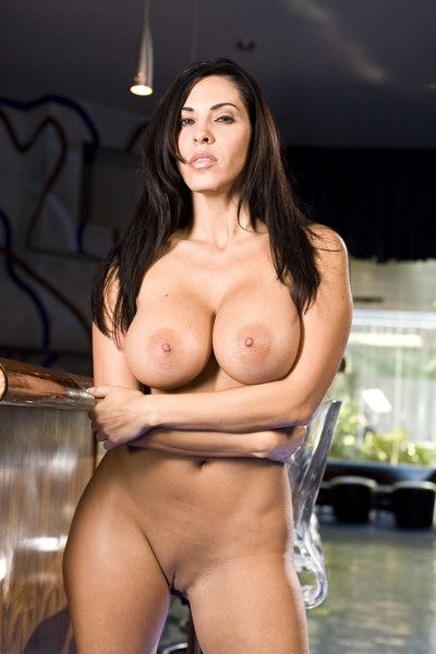 This is the cool brunette milf Veronica Rayne that demonstrates amazing naked butt and tits