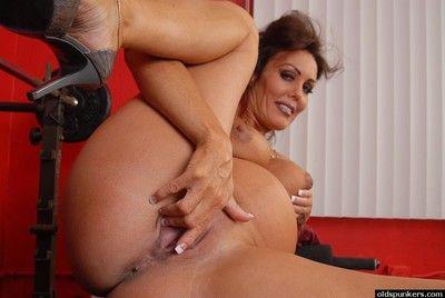 già hơn Thai người phụ nữ Nancy vạch trần Bụng Bump và thủ dâm tản L ...