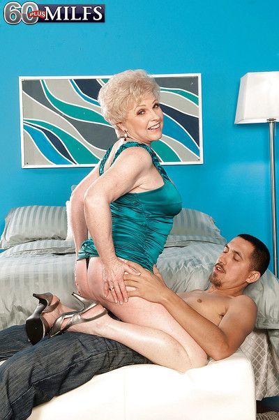 Naughty granny Jewel gets undressed and swallowing a hard cock