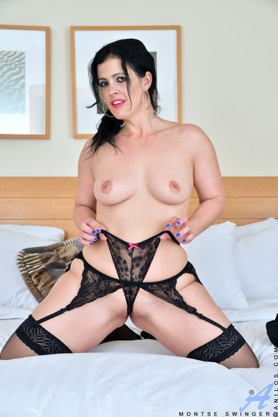 Mature mom in stockings & lace panties stretching ass and shaved pussy