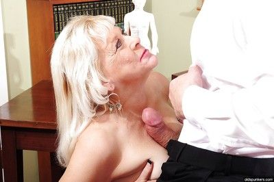 Naughty granny Sindy enjoys hardcore fuck in her black stockings
