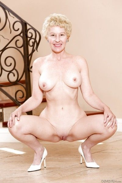 Mature granny with super hot body stripping dress and posing naked