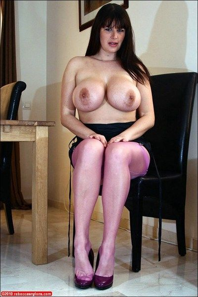 Mature bbw in nylon stockings spreading her cunt and shows her huge tits