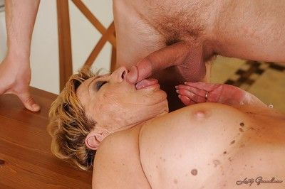 Lewd granny gets her hairy twat cocked up and takes a cumshot in her mouth