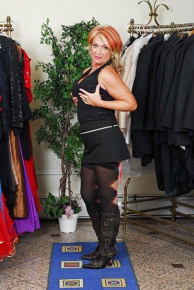 Lewd granny Joanna Depp reveals her big saggy tits and juicy twat