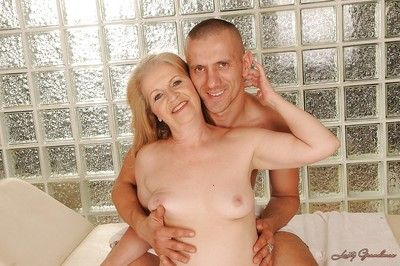Saucy granny with shaved twat gets banged hardcore after massage