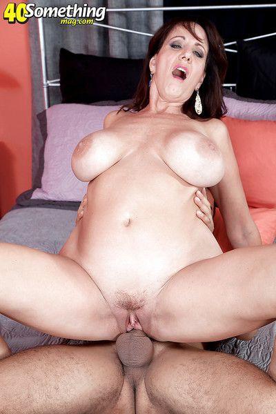 Cassie Cougar