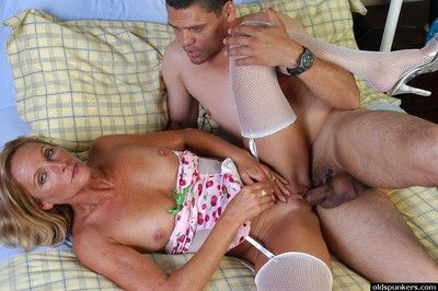 Mature with gorgeius nude body Ginger hard fucked by much younger stallion