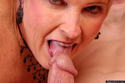 Mesh stocking adorned granny Jewel having pussy licked and jizzed upon
