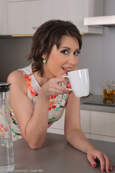 Sexy tea time with lovely MILF Meggie