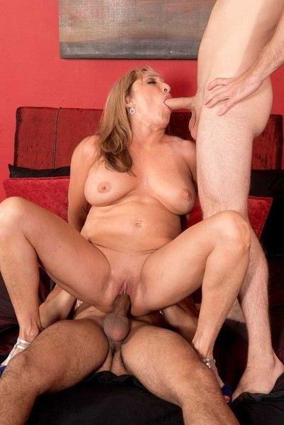 Busty 60milf luna azul craving two hard cocks to fuck