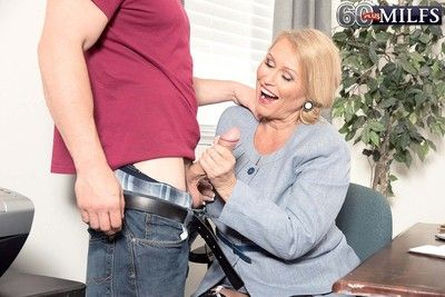 Hot blond granny milf alice sucking huge cock and fuck