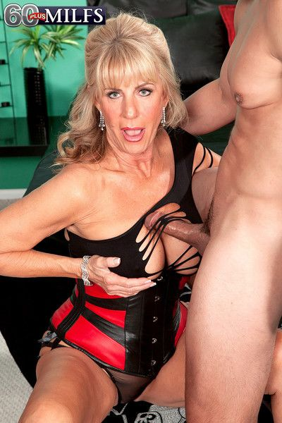 Hot mature phoenix skye fucking